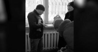 """В женской консультации Екатеринбурга устроили """"распродажу масок"""""""